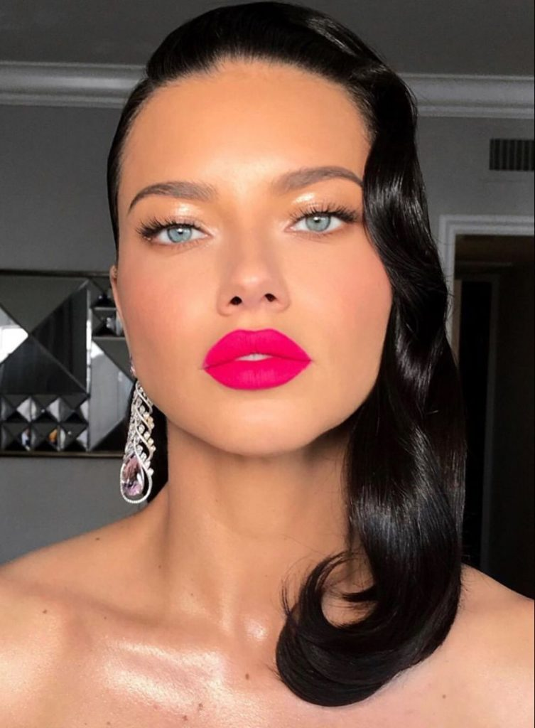 pink lips lips 2020 makeup trends Adriana lima pink lipstick bright colors matte pink lips